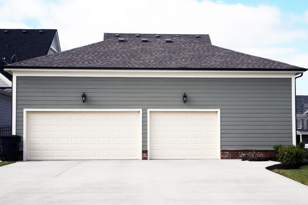 Detached Triple Car Garage